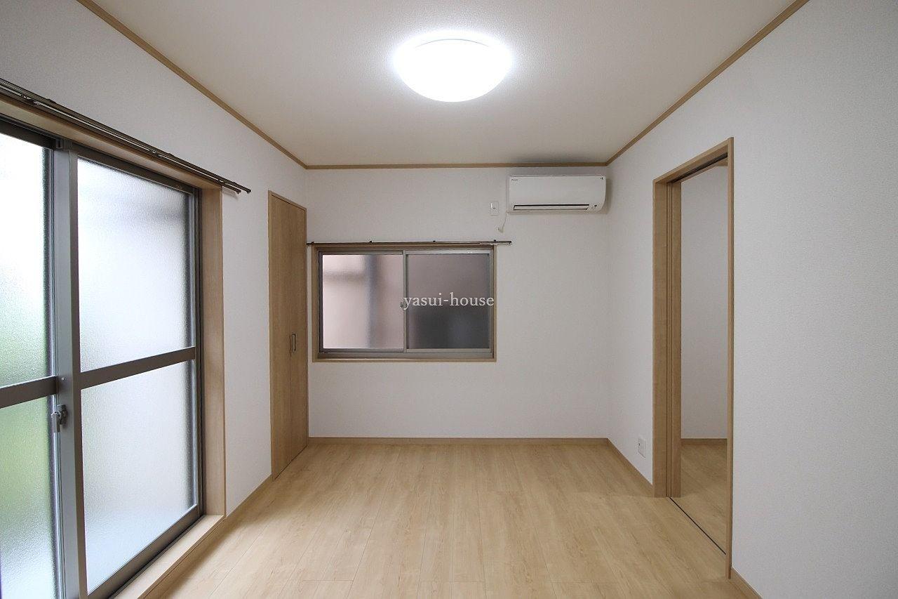 洋室6.0 2面採光、クローゼット・エアコン付