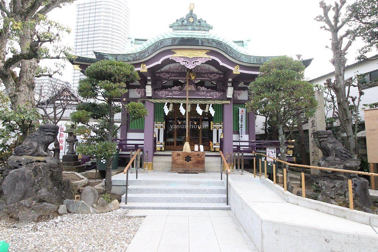 飛木稲荷神社の並びにあります